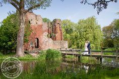 Wedding photography  www.in2pictures.nl Bruidsfotografie Ruine van Heenvliet #wedding #marriage #bruidsfotografie #trouwen #Holland #ruineheenvliet