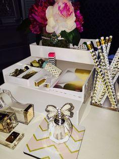 Kate spade desk set home office decor gold desk accessories for home office spade acrylic desk Gold Desk Accessories, Home Decor Accessories, Decorative Accessories, Interior Room Decoration, Interior Design Living Room, Home Office Desks, Office Decor, Office Ideas, Menu Restaurant