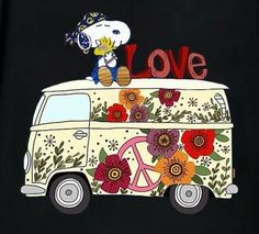 Hippie Snoopy,love Snoopy have collection from Snoopy Love, Snoopy Et Woodstock, Charlie Brown Und Snoopy, Peanuts Gang, Peanuts Cartoon, Paz Hippie, Hippie Peace, Peanuts Characters, Cartoon Characters