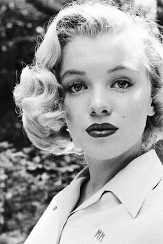 Marilyn Monroe 1950 photo by Ed Clark
