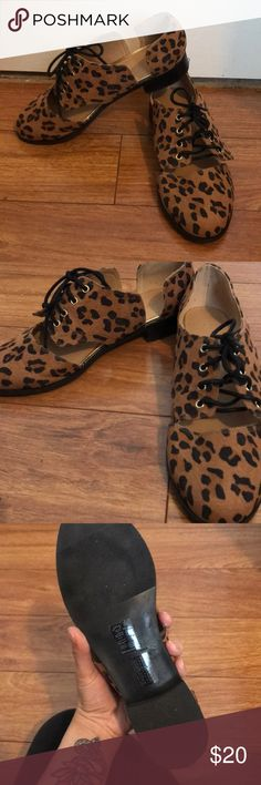 Forever 21 Cutout Oxfords It a print that will never go out of style, these leopard print oxfords are perfect for that mild Spring weather! The cutouts make them unique. Expect a lot of compliments while wearing these! (Like new. Only worn once) Forever 21 Shoes Flats & Loafers