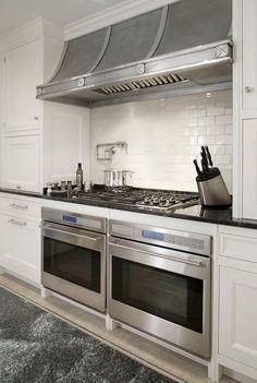 New Kitchen Wall Oven Layout Interior Design Ideas Kitchen On A Budget, Kitchen Pantry, New Kitchen, Kitchen Decor, Kitchen Ideas, Kitchen Tips, Double Oven Kitchen, Double Oven Range, Large Kitchen Ovens