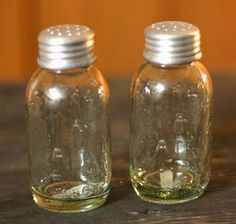 Mason Jar Salt & Pepper Shakers  Replicas of the mason canning jars, this set is perfect for the primitive kitchen.