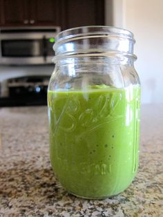 Pear & Mango Green Smoothie