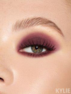 #EyeMakeupBlue Eyeshadow Tips, Eyeshadow Looks, Eyeshadow Palette, Eyeshadow Makeup, Korean Eyeshadow, Plum Eyeshadow, Eye Makeup Steps, Blue Eye Makeup, Maroon Makeup