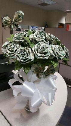 28 Ideas origami rose bouquet gift ideas for 2019 Money Rose, Money Lei, Money Origami, Origami Money Flowers, Origami Paper, Origami Flower Bouquet, Origami Rose, Homemade Gifts, Diy Gifts