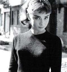 Audrey Hepburn attrice icona di stile moriva 23 anni fa 100c537b8146