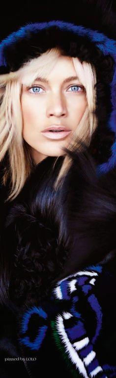 Ski and Apres Ski.Carolyn Murphy by Patrick Demarchelier for Vogue Paris August 2014 Foto Fashion, Ski Fashion, Fashion Moda, Winter Fashion, Nordic Fashion, Style Fashion, Fashion Design, Carolyn Murphy, Patrick Demarchelier
