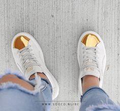 ❗ We hebben ze: de Creepers inspired by Rihanna!  Deze geweldige sneakers hebben een gouden neus en suède upper in een frisse off-white kleur!   Wacht niet te lang met bestellen, want deze zijn favoriet! https://www.sooco.nl/puma-suede-creepers-gold-witte-lage-sneakers-26662.html