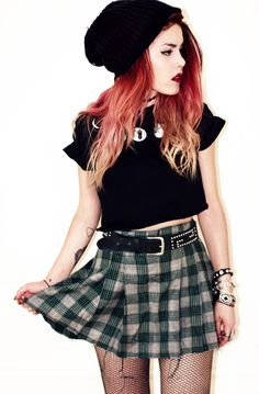 punk grunge tumblr - Recherche Google http://spotpopfashion.com/avia
