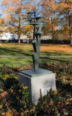 A park sculpture...... Photo By. Knut Erik Blom