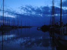 Water / lucht overgang in de avond