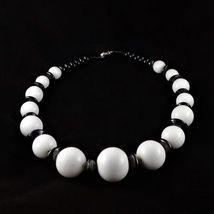 Småland Kunstglass - Epla Pearl Necklace, Pearls, Bracelets, Shopping, Jewelry, String Of Pearls, Jewlery, Beaded Necklace, Bijoux