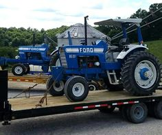 Vintage Tractors, Vintage Farm, Gooseneck Trailer, New Holland Tractor, Ford Tractors, Ford News, Ford Models, Big Trucks, Trailers