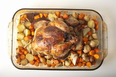 Roasted chicken surrounded by veggies and potatoes. Can you smell it?!  #Thanksgiving #chicken #roast #onepotcooking roast chicken, roasted chicken