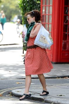 Helena Carter, Helena Bonham Carter, Style Icons, Personality, Funny Pictures, Actresses, My Style, Lady, Celebrities