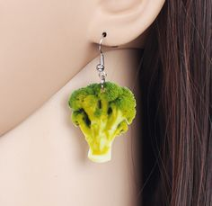 For a healthy lifestyle, you've got to eat your vegetables. Prove just how much you loving this disease-busting vegetable with these earrings. Big Earrings, Drop Earrings, Cute Girl Names, Teen Kids, Natural Hair Journey, Weird And Wonderful, Food Gifts, Broccoli, Gifts For Kids
