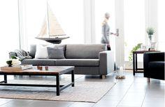 Hjellegjerde, Living sofa 3,5 seter duo pillows. Foto fra Sola strand hotell - Strandbaren