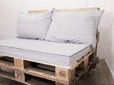 Sofa weiße Auflage Kissen einfach schön