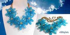 Conjunto floral azul celeste, collar y pendientes www.estylos.es