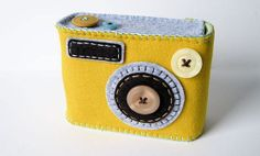 cute little camera case. I think ill make one for my little camera.