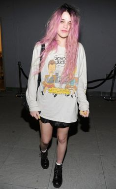 This weeks model crush is Sky Ferreira, taking the catwalks by storm this little lady is super cute with doll like looks and blonde tousled  hair to die for. As well as super cool style! Amaze!