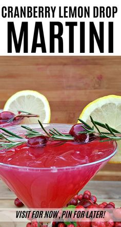 Christmas Cocktail: Cranberry Lemon Drop Martini Mix things up this holiday season with a fun Christmas cocktail. You'll love the fresh flavors in this Cranberry Lemon Drop Martini recipe. Cocktail Syrups, Sour Cocktail, Cocktail Recipes, Drink Recipes, Cocktail Ideas, Margarita Recipes, Lemon Drop Martini, Christmas Martini, Christmas Cocktails