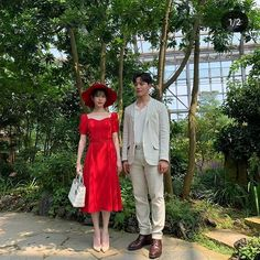 Hotel Del Luna, IU as Jang ManWol, Yeo JinGoo as Gun ChanSeong. Beutiful outfits both of them. Luna Fashion, Pop Fashion, Fashion Outfits, Korean Celebrities, Bridesmaid Dresses, Wedding Dresses, Mode Inspiration, Queen, Classy Outfits