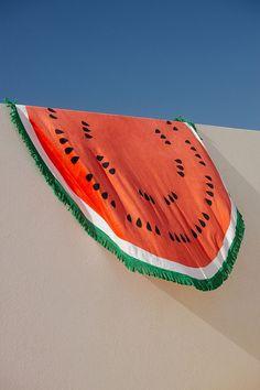 ban.do - Serviette ronde à motif pastèque Tranche De Fruits, Serviettes,  Serviette 289002f12f30