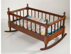 Antique Doll Cradle with Quilt - BiddingForGood Fundraising Auction Baby Cradle Plans, Baby Cradle Wooden, Vintage Pram, Small Wood Projects, Baby Boy Photos, Baby Swings, Baby Furniture, Antique Furniture, Baby Cribs