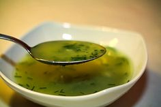 Der Sommer ist die perfekte Zeit für leichtes Essen. Abgerundet werden Salate durch pfiffige Dressings. Feigensenf passt wunderbar zu bunten Salaten, mildem Käse und Aufschnitten.