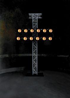 Gunda Foerster, WHITE NOISE # 2, Scheinwerfer + Ton, Oktogon Dresden, 2000_3