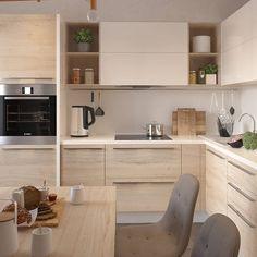 Modern Kitchen Cabinets, Farmhouse Kitchen Decor, Home Decor Kitchen, Kitchen Furniture, Home Kitchens, Modern Farmhouse, Kitchen Room Design, Kitchen Cabinet Design, Modern Kitchen Design