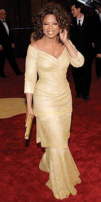 Oprah in gold dress by Vera Wang Dark Autumn, Black Celebrities, Celebs, Red Carpet Gowns, Oprah Winfrey, Vera Wang, Mother Of The Bride, African Fashion, Marie