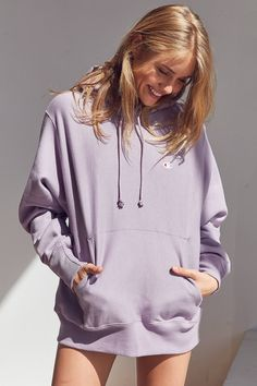 Shop the Champion + UO Reverse Weave Hoodie Sweatshirt and more Urban Outfitters at Urban Outfitters. Read customer reviews, discover product details and more.