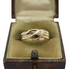 An English Victorian diamond snake ring Hallmarked Birmingham 1895 Snake Ring, Victorian Gold, Birmingham, Cufflinks, English, Jewels, Diamond, Rings, Accessories