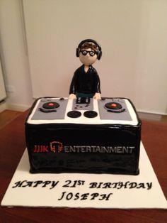 Cupcake Icing, Cupcake Cakes, Cupcakes, Bolo Dj, Happy Birthday Dj, Record Cake, Music Cookies, Dj Cake, Bithday Cake