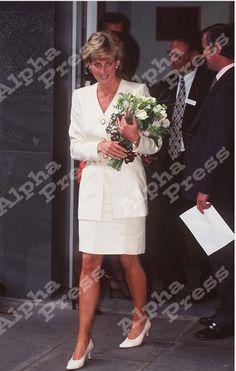 Princess Diana au the Mortimer Market Centre,Le 27 Juin 1996  _ Suite