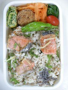 2013年08月27日 鮭と大葉と梅干しの混ぜご飯