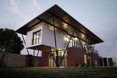 Completed in 2015 in Montalvo, Ecuador. Images by Juan Carlos Donoso. Once upon a time a small county called Montalvo, which had 24,000 inhabitants, 20 minutes from Babahoyo capital city of La provincia de los Rios, in...