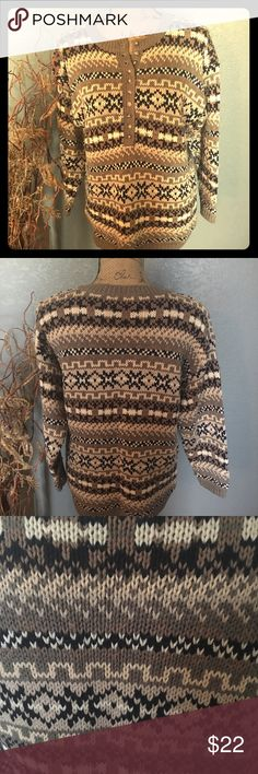 Nordic Print Pullover Sweater by Paris Sports Club Sweater, in Beige, Natural, White & Black Print.  Could be used as a Ski Sweater, with something warm under or over.  Has been gently worn ??  VERY GOOD CONDITION. Paris Sports Club Sweaters