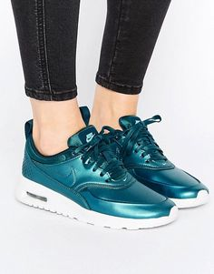 Nike – Air Max Thea – Grünblaue Sneaker in Metallic-Optik