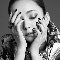 美しいですね〜〜〜☺️💗💗💗💗💗💗💗💗 . . ため息が出るほどの美しさを 拝めるのもあと少し…😭😭 . . . #voguetaiwan 入手できなかった…😢😢 . どこで手に入るのー! . #安室奈美恵 #amuronamie #namieamuro #安室ちゃん #あむろちゃん #安室ちゃぁぁあぁあぁあん Eye Of Horus Illuminati, Prity Girl, Cute Woman, Cool Girl, Halloween Face Makeup, Beautiful, Beauty, Namie Amuro, Photograph