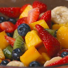 Rainbow Fruit Salad With Honey Lime Dressing 1 pound fresh strawberries, quartered 4 kiwis, peeled and diced 2 mangoes, diced 2 bananas, sliced 12 ounces fresh blueberries 2 tablespoons honey 1 lime, juiced