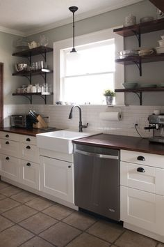 29 Amazing Farmhouse Kitchen Makeover Ideas On A Budget. If you are looking for Farmhouse Kitchen Makeover Ideas On A Budget, You come to the right place. Below are the Farmhouse Kitchen Makeover Ide. Budget Kitchen Remodel, Galley Kitchen Remodel, Kitchen On A Budget, New Kitchen, Kitchen Decor, Remodel Bathroom, Vintage Kitchen, Kitchen Renovations, Farmhouse Remodel