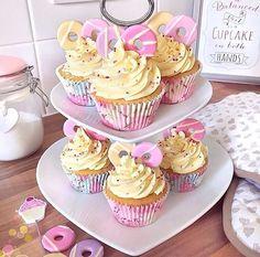 Party ring cupcakes : @itslittlelauren