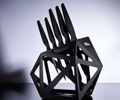 Black Diamond Knife Block XL by Edge of Belgravia is an angular float knife block designed by Christian Bird. A piece of art for your kitchen! Chef Knife Set, Knife Sets, Black Diamond, Diamond Cuts, Architecture Unique, Futuristic Design, Survival Knife, Survival Books, Survival Gear