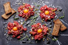 Beef tartare with pickled cucumber and fresh onion Pickling Cucumbers, Onion, Food Photography, Dairy, Food And Drink, Yummy Food, Beef, Cheese, Fresh