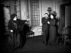 Julia Cirera, Carmen Cobeña y Ricardo Calvo en la representación de Casandra, 1910.
