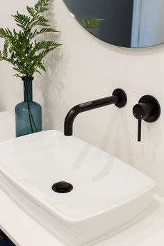 Stunning bathroom featuring Meir's Round Curved Matte Black Wall Spout and Round Matte Black Wall Mixer #MeirAustralia #matteblack #Meirblack #bathroom